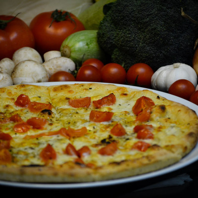 Pizza mozzarella & cherry