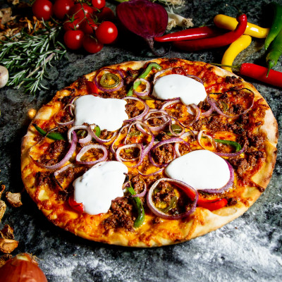 Mexican beef pizza